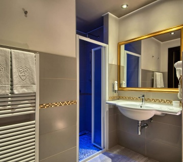bagno_suite-360x320-410e002ffc4381fe49c19aa5538e7c8c Suite - Hotel Petrarca