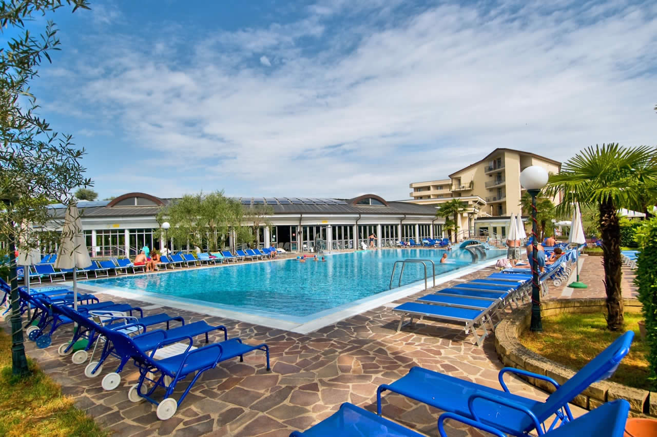 Piscine termali hotel petrarca terme - Montegrotto piscine termali ...